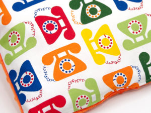 Poduszka PHONE Orange Minky 30 x 40 cm 2